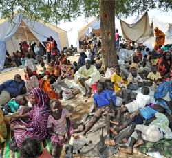 Residents of Kadugli gathered outside UNMIS sector HQ after fleeing fighting in Kadugli town. Credit: UNMIS/Paul Banks