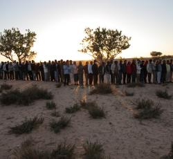 Hundreds line up for food at a transit camp near the Tunisian-Libyan border. All have crossed into Tunisia from Libya to escape the violence. Credit: OCHA/David Ohana