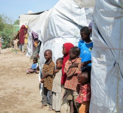 Displaced families in Mogadishu, Somalia. Credit: OCHA