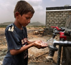 Many families must resort to poor water sources for daily living. Chronic diarrhoea consequently affects over half of children among some displaced communities. Aid agencies are providing tens of thousands of displaced people in northern Yemen living in camps with clean, reliable water. Credit: Yemen Humanitarian Team