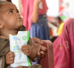 Sindh, Pakistan: Child receives nutrition treatment at a centre in Tharparkar. Credit: WFP/Amjad Jamal