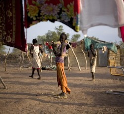 Children play in a returnee camp on the outskirts of Aweil in Northern Bar El Ghazal, Southern Sudan. Credit: IRIN/Siegfried Modola
