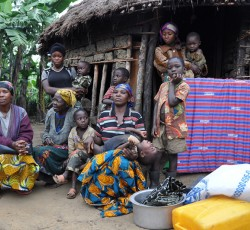 A displaced family in Kalonge, South Kivu, Democratic Republic of the Congo. Credit: Charline Burton/OCHA DRC
