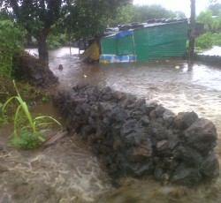 26 April 2012, Comoros: Torrential rains and flash floods since April 20 have significantly affected water supply, electricity and telecommunications services in Comoros. Credit: OCHA