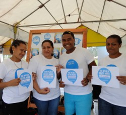 19 August, Suva, Fiji: UNICEF Youth Volunteers - (l-r) Marica, Elenoa, Jone and Sereana - getting ready to spread the message of WHD in Suva, Fiji - the first city in the world to celebrate World Humanitarian Day. Credit: OCHA/Tai Lund