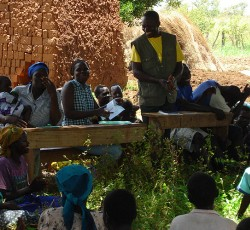 Uganda: Sarah Otuku meets with members of the Acholi community during a needs assessment visit. Credit: OCHA