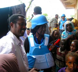 5 December 2011: OCHA Humanitarian Affairs Officer Ahmed Farah Roble and UNHCR staff see first-hand the conditions at an IDP settlement in Mogadishu, Somalia. 