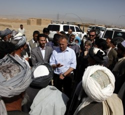 Humanitarian Coordinator Michael Keating meets with officials in Pul-I-Chumri to assess the scale of a drought occurring in Afghanistan's northeast. Credit: UNAMA/Fardin Waezi/2011