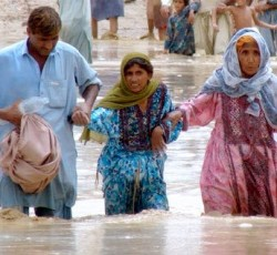 Family affected by the floods in Jaffarabad and Nasirabad districts in Balochistan. Credit: OCHA