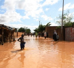 19 August 2012, Niamey, Niger: Heavy rains overnight flooded homes and streets. Credit: OCHA/Franck Kuwonu