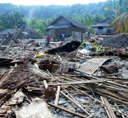 Santa Cruz Island, Temotu Province: Destruction caused by the earthquake in the Solomon Islands. Credit: WPSA Rapid Assessment Team/Steven Clegg